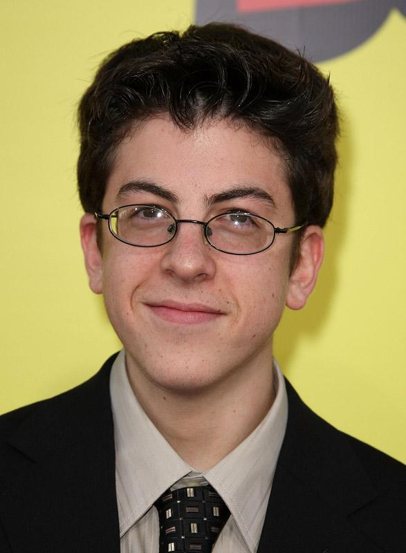 Christopher Mintz-Plasse - Wallpaper Actress