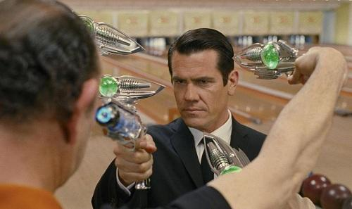 Josh Brolin Stars in Men in Black 3