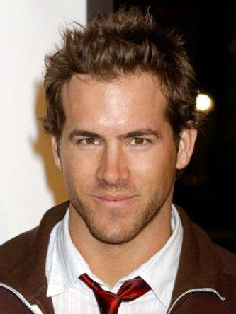 Ryan Reynolds Films on Ryan Reynolds Lands Green Lantern   Movie Fanatic