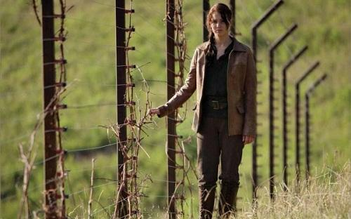 The Hunger Games: Jennifer Lawrence Stars