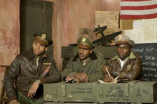 Tristin Wilds, Nate Parker and Ne-Yo in Red Tails