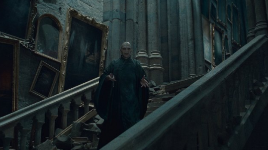 http://static.moviefanatic.com/images/gallery/voldemort-fights-to-stay-alive_539x301.png
